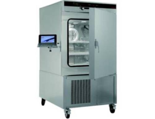 Tester la résistance à la corrosion filiforme avec une enceinte climatique Memmert CTC